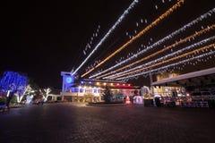城市圣诞灯夜 免版税库存照片