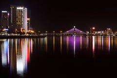 城市在夜之前 库存照片