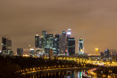 城市在晚上,莫斯科在晚上 库存图片