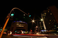 城市在晚上 库存照片