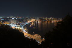 城市在晚上 免版税库存图片