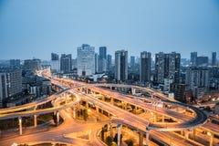 城市在黄昏的互换特写镜头 库存图片