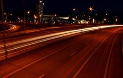 城市在Jönköping的晚上高速公路 免版税库存照片