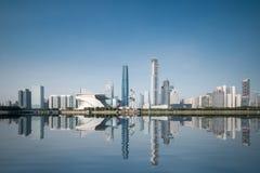 城市地平线和反射在广州 免版税图库摄影