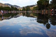 城市地平线在尼斯,有图片的:前后 库存图片