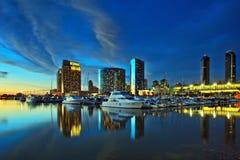 城市地平线美丽的景色与港口的日落的,圣地亚哥,加利福尼亚,美国 库存照片
