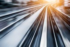 城市地铁路轨,行动迷离 免版税库存照片