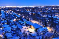 城市埃德蒙顿晚上冬天 免版税库存图片