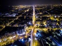 城市塞萨罗尼基在晚上,希腊鸟瞰图  图库摄影