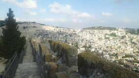 从城市墙壁看见的耶路撒冷 免版税库存图片