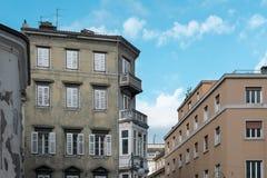 城市大厦在的里雅斯特 免版税库存照片