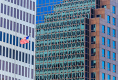 城市大厦美国国旗 免版税库存图片