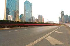 城市大厦街道场面和路面 库存图片