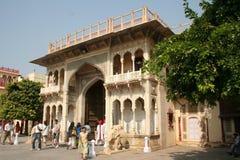 城市宫殿入口门rajastan的斋浦尔 库存照片