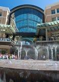 城市小河喷泉 图库摄影
