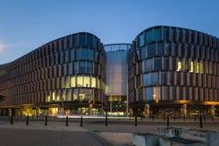 城市居民- moder办公楼在华沙 图库摄影