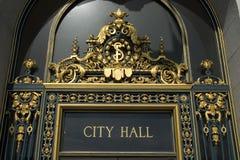 城市弗朗西斯科大厅s圣符号 库存照片