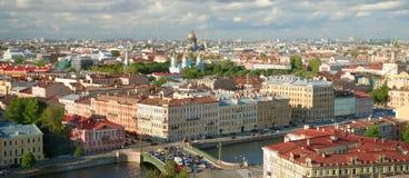 城市彼得斯堡圣徒地平线 免版税图库摄影