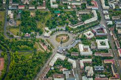城市彼得罗扎沃茨克,卡累利阿,俄罗斯鸟瞰图  免版税图库摄影