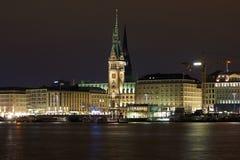 城市德国大厅汉堡晚上视图 图库摄影