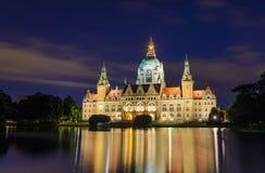 城市德国大厅汉诺威晚上 免版税库存照片
