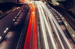 城市快行交通光足迹在路的在ni的伦敦 库存图片