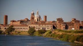 城市意大利中世纪的mantova 免版税库存照片
