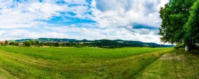 城市捷克克鲁姆洛夫Panoramatic视图  免版税库存照片