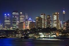 城市接近的晚上sy wavert 免版税图库摄影