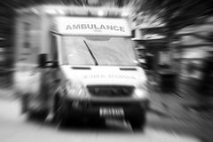 城市救护车 免版税库存图片