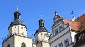 城市教会双圆顶有老历史建筑的 免版税图库摄影