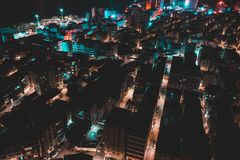 城市新月形晚上雨 库存照片