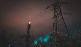 城市新月形晚上雨 免版税库存图片