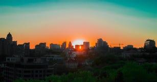 城市日落 免版税库存图片