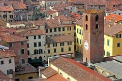 城市时钟lucca塔视图 库存图片