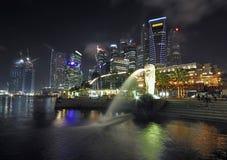 城市晚上新加坡 免版税库存图片