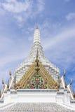 城市柱子寺庙,曼谷,泰国屋顶上面  免版税库存图片