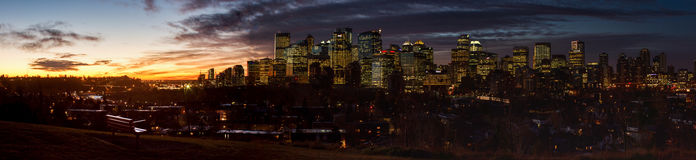 城市概念欧洲夜间日出 库存照片
