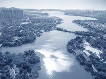 城市江边大厦鸟瞰图  库存图片
