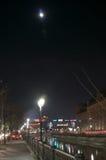 城市河在晚上之前 免版税图库摄影