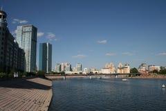 城市河viev 库存照片