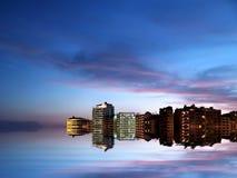 城市海岸晚上 图库摄影
