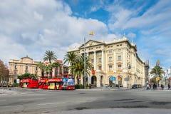 城市游览观光的公共汽车在巴塞罗那,西班牙 库存照片