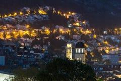 城市点燃晚上场面 杜布罗夫尼克市 克罗地亚 免版税库存图片