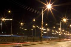 城市点燃晚上 库存图片