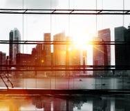 城市点燃都市风景看法大厦概念 免版税库存图片