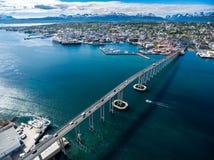 城市特罗姆瑟,挪威桥梁  免版税库存图片