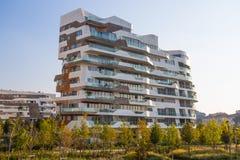 `城市生活`事务和住宅区, ` Tre Torri `,米兰,意大利新的现代大厦公寓房  库存照片