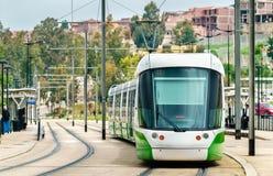城市电车在康斯坦丁,阿尔及利亚 免版税库存图片