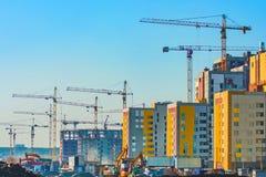 城市的一个新的住宅区的建筑 免版税图库摄影